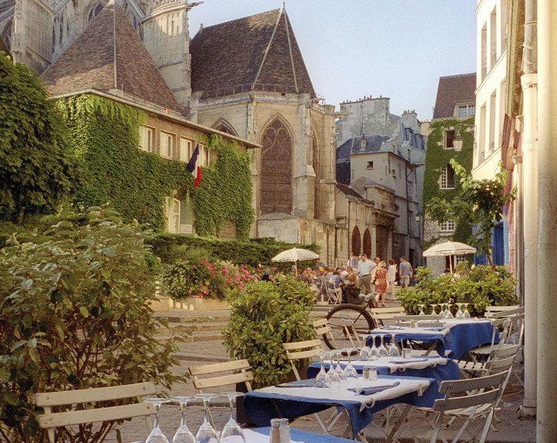 Des lieux entre ville et jardin pour des soirées aux beaux jours